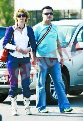 foto Cancan: Adrian Enache, alături de amanta şi burta oficiale