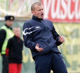 Dorinel Munteanu este şi el antrenor de fotbal