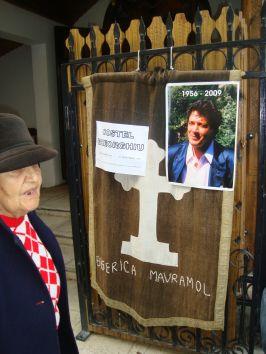Trupul neînsufleţit al lui Costel Gheorghiu a fost depus la Biserica Mavramol
