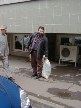 Segiu Dumitrescu, pe vremea cînd pleca cu sacul plin acasă de la Centrul Cultural
