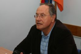 Portocalo-zaurul Mircea Toader