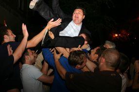 Florin Pîslaru - un deputat care știe să-și sărbătorească turnătoriile