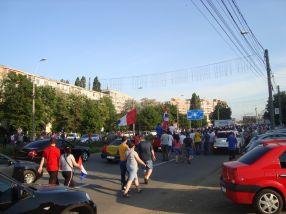 Lumea s-a dezlănțuit pe străzi după ce jucătorii Oțelului au părăsit stadionul cu destinația Faleză