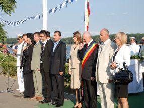 Uite cum se aliniau politrucii de Ziua Marinei, în 2008