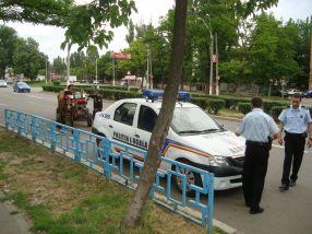După ce le-au verificat actele (celor care aveau așa ceva), polițiștii locali le-au dat drumul țiganilor, cu căruță cu tot