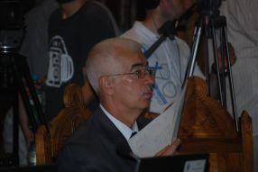 Florin Popa uită de toate promisiunile cînd pleacă în concediu