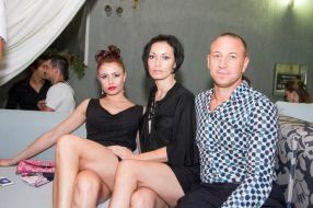 Ion Ijdileanu, alături de soția lui (în centru)