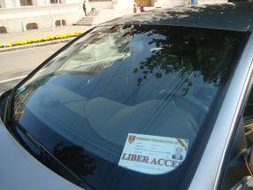 Legitimația de liber acces (nu însă și pe trotuare) a lui Buțurcă, primită de la CJ Galați