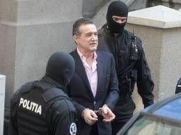 Gigi Becali a fost condamnat la trei ani de închisoare cu suspendare