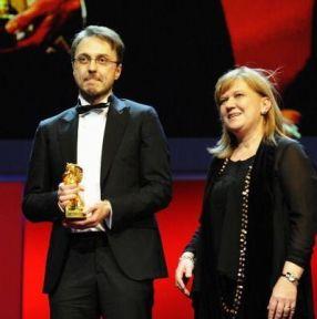 Regizorul Călin Peter Netzer, alături de producătorul filmului
