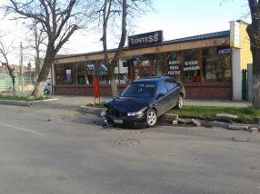 Accident bizar pe str. Aurel Vlaicu, ca în Zona Crepusculară