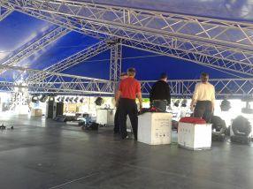Băieții de la tehnic au de treabă pe scenă