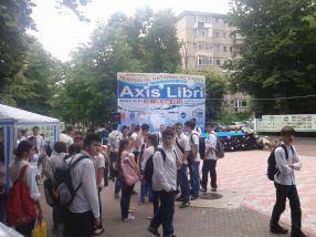 Elevii de la Liceul Dunărea au fost aduși la festival direct de la școală