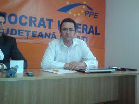 Doruleț Resmeriță, liderul unui partid care există doar pe Facebook