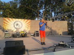 Mihai Constantinescu încă se mai miră ca boul de ce nu îl caută lumea pentru concerte