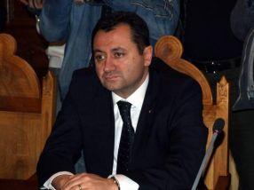 Florin Pâslaru și-a comandat deja costume Armani vărgate