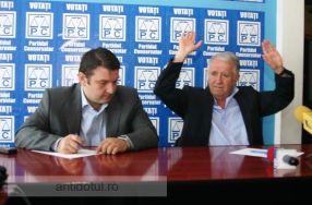 Parlamentarii Bogdan Ciucă și Eugen Durbacă, gata să mai facă 5 ani de facultate