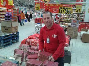 Marele hocheist Cătălin Geru, la muncă în Carrefour Galați