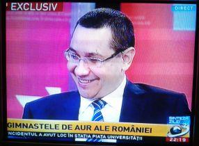 Prim ministrul Victor Ponta este disperat să culeagă cît mai multe voturi pentru PSD