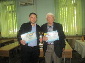 Tînărul Marius Humelnicu și veteranul Nicolae Rainea