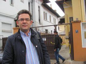Disperat după voturi, candidatul Doruleț Resmeriță, de la PDL Galați, a ajuns în ultimul hal