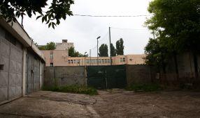 Buldozerele Primăriei vor trece prin curtea școlii