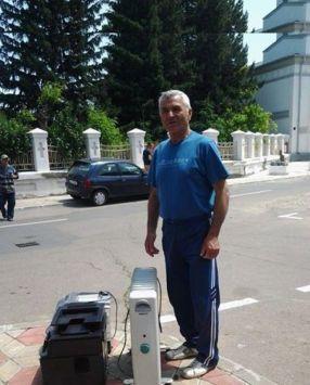 Acest domn în trening a pus pe chituci Primăria Galați
