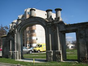Poarta turcească s-a șubrezit de prea mult rahat