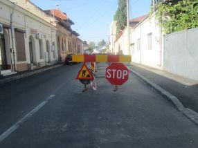 Autoritățile au zis stop circulației pe Democrației