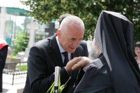 Primarul Marius Stan, umil în fața Înalt Prea Sfințitului Casian