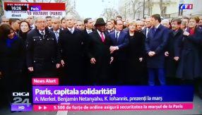La marșul solidarității de la Paris, demnitarii din 56 de state s-au oprit din 50 în 50 de metri ca să facă poză de grup