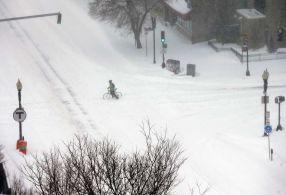 Traficul din New York și Boston a fost complet paralizat de necruțătoarea furtună de zăpadă Juno