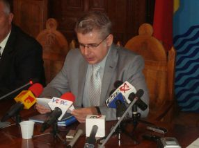 Emanoil Bocăneanu, într-o poză din iulie 2012, pe vremea cînd era prefect al Galațiului