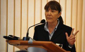 Monica Macovei s-a împiedicat de-un ciot, în Galați