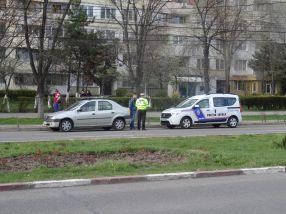 Polițiștii locali din Galați se ascund de golanii care fac scandal în cartiere, dar au tupeu în fața șoferilor
