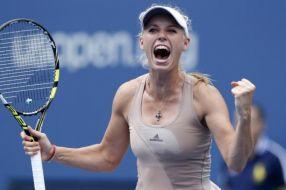 Caroline Wozniacki a spulberat-o astăzi pe Simona Halep