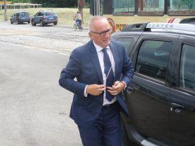 Primarul Stan a coborît din Duster, nu din BMW