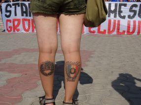 Tatuaje de ultras, cu Peluza Sud, pe gambe