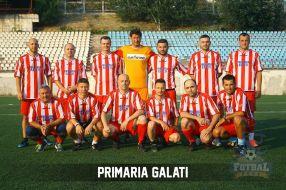 După trei ani de muncă asiduă, Marius Stan a reuşit să facă fotbalişti din funcţionarii Primăriei Galaţi