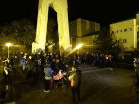 Protest Galați, ziua a 7-a. Și ultima, pentru că la prefectură s-au strîns numai 60-70 de inși