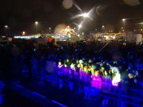 O mînă de spectatori s-a adunat vineri seară în parcarea Shopping City, unde s-au ținut concertele