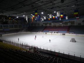Revelion 2016 făcut de primarul Marius Stan, din bani publici, se va ține la Patinoarul din Galați