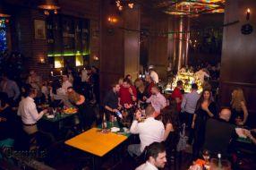 Polițiștii locali vor merge undercover în cluburi și baruri pentru a-i amenda pe fumătorii care încalcă legea