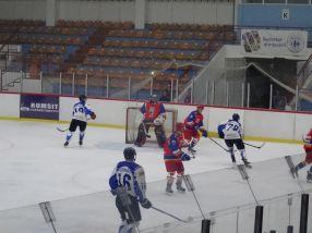 Hocheiștii de la Dunărea Galați au jucat bambilici în această seară, în meciul cu Ciucul