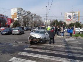 Autoturismul Volkswagen Golf avea motorul serios avariat