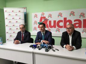 De la sînga la dreapta: Șerban Teodor, directorul Auchan Galați, Tatian Diaconu (director general la Immochan România) și primarul Marius Stan