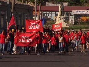 În Galați se poartă roșu intens
