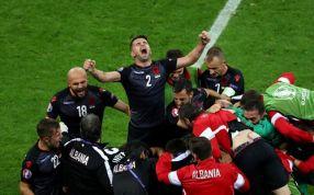 Bucuria albanezilor, imediat după ce au marcat în poarta României, la Euro 2016