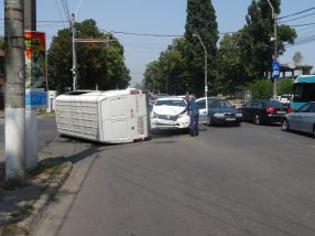 Accident spectaculos la intersecția b-dul Coșbuc cu str. Aurel Vlaicu