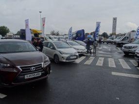La standul Toyota exponatele aveau ușile închise